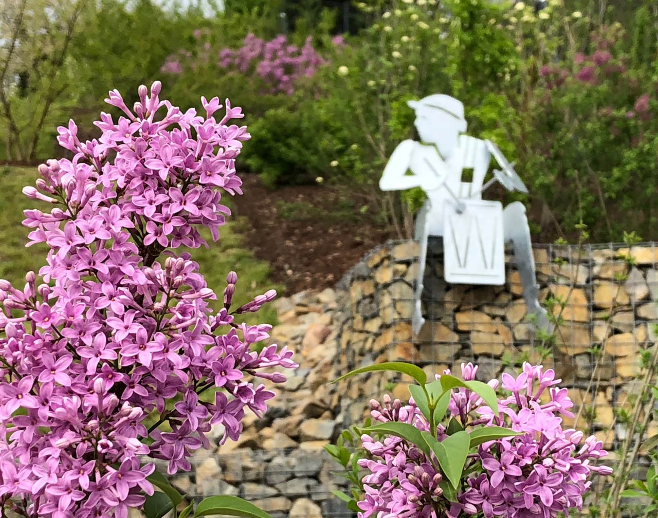 Skulptur Trommler auf der Landesgartenschau in Burg